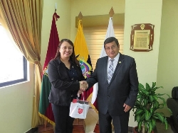 IV International Congress of Biotechnology and Biodiversity - Dr. Yelitza Colmenarez from CABI and IOBC NTRS Representative meeting Dr. Galo Naranjo Rector le Ambato University, establishing new Lines of Cooperation in Biological Control